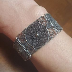 🦕3/$10 Vintage Filagree Wire bracelet